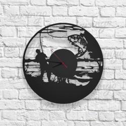 Balıkçı Figürlü Ahşap Duvar Saati