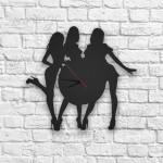 Kızlar Figürlü Ahşap Duvar Saati