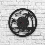 Malibu Figürlü Ahşap Duvar Saati