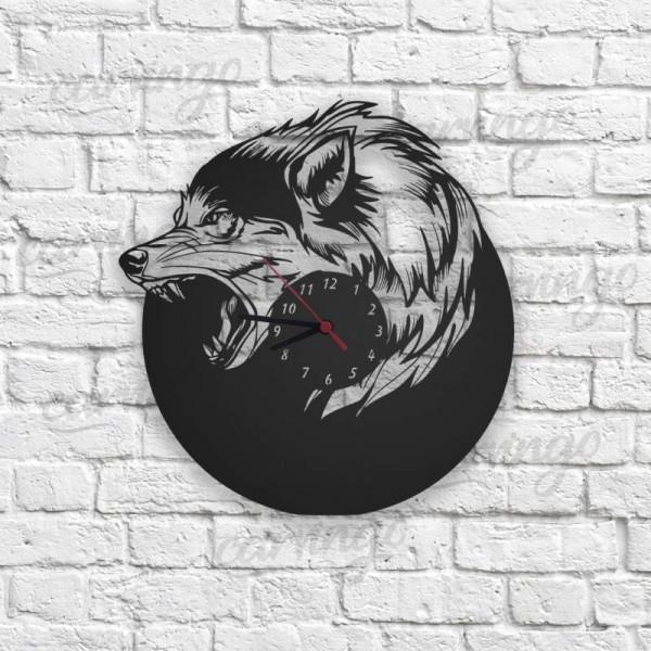 Wolf Figürlü Ahşap Duvar Saati
